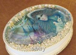 Beautiful Russian Hand Painted Shell Lacquer Box Winter Fairytale Fedoskino