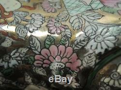 CHINESE Famille Rose PORCELAIN HANDPAINTED PILLOW OPIUM BOX Signed