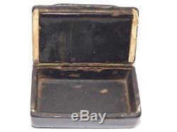DELIGHTFUL ANTIQUE GEORGIAN HAND PAINTED PAPER MACHE SNUFF BOX MAN & LADY c1830