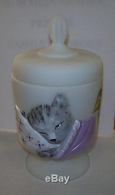 FENTON ART GLASS OPAL SATIN CHESSIE BOX HAND PAINTED PURPLE FLORAL With GRAY KITTY