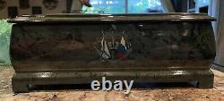 Fedoskino Russian Hand Painted Lacquer Box Ice Mountains (Icebergs) Valyalin
