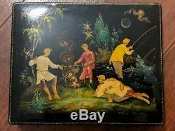 Vintage Soviet Russian lacquered Palekh hand painted box 1965 Babanov USSR